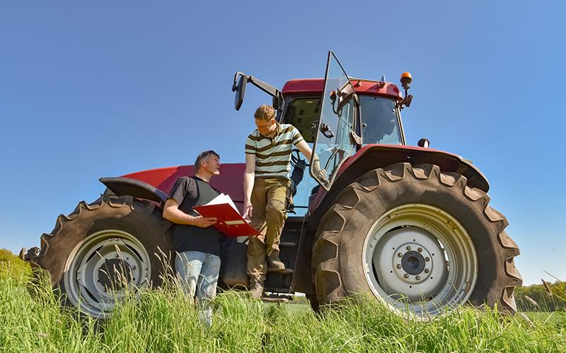 devenir conducteur de machine agricole